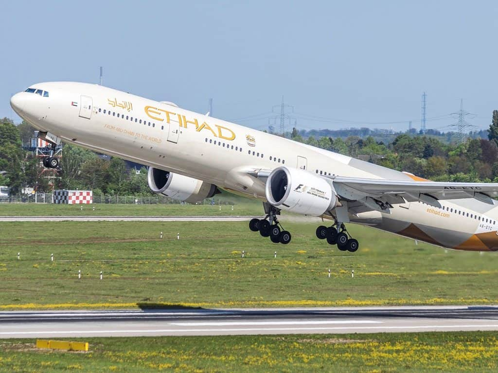 Etihad introduces paid Chauffeur service and lounge access