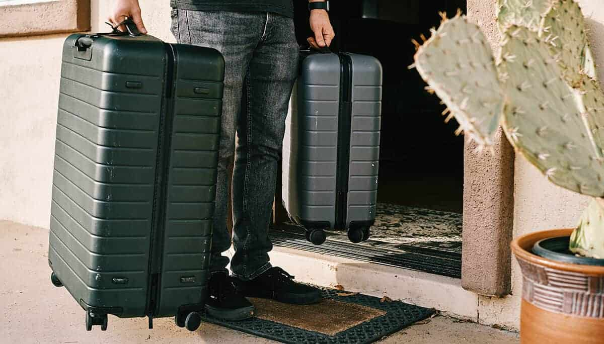 business-travel-tips-that-make-a-big-difference-pack-smarter