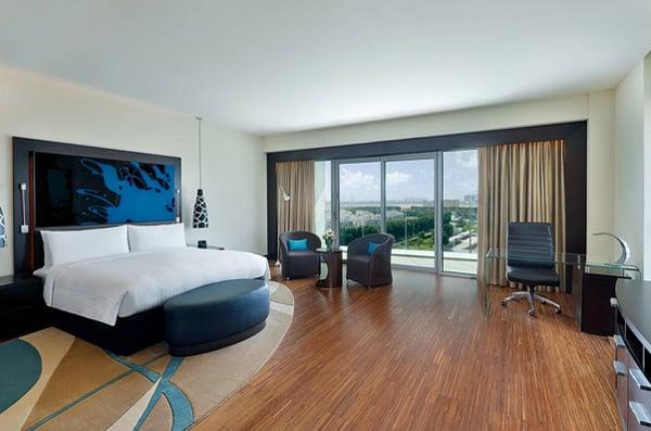 Marriot-Hotel-Room