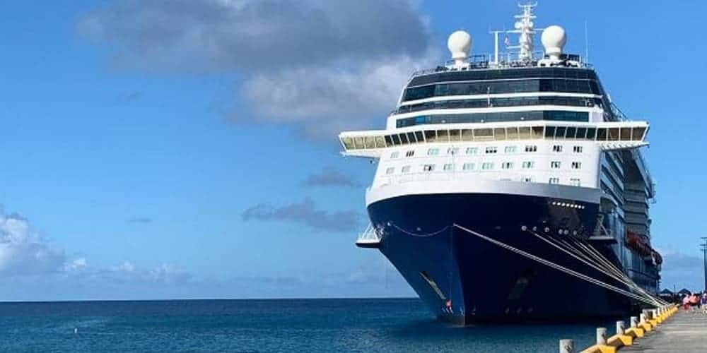Silhouette cruise ship