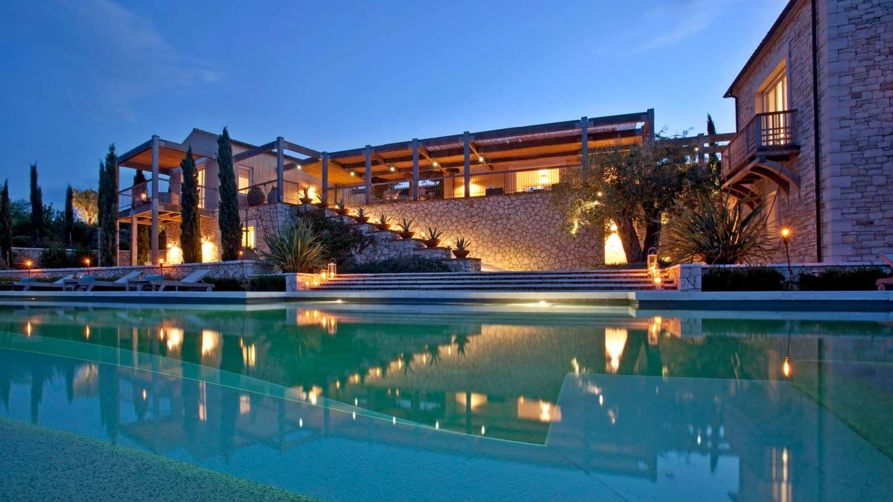 Private-Greek-villas-Meon-Valley-Travel