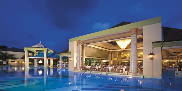 27829-4-hotel_carousel_large