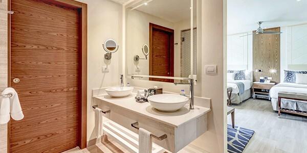 Royalton_Antigua_Luxury_Junior_Mountain_View_Hi_Res_004-1