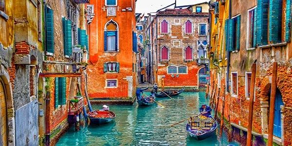 Enchanting_Waterways_of_Venice
