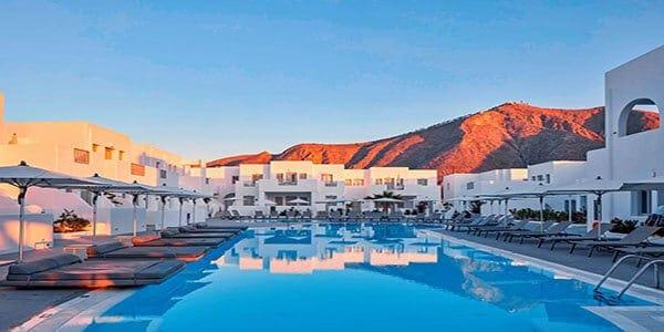 JTR_81455_Aqua_Blue_Hotel_1119_02