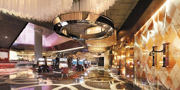 179124-23-hotel_carousel_large